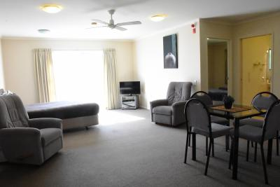 Large Access Family 1 Bedroom
